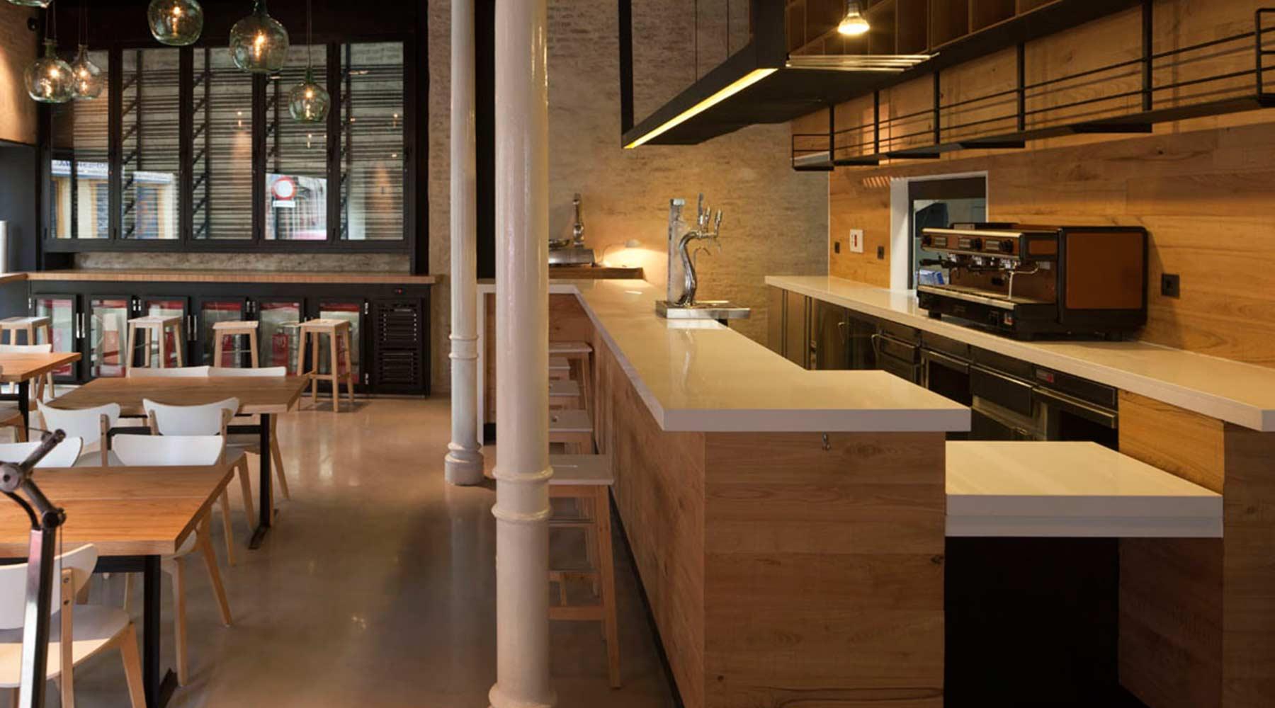Detalle interior muebles para bares (Pacatar bar)